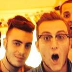 Luca Eboli e Giusy con degli amici, sotto al gazebo di Multiradio